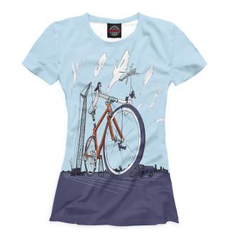 Футболка женская Строительство велосипеда